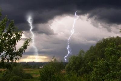 На Буковині через негоду було знеструмлено 45 населених пунктів