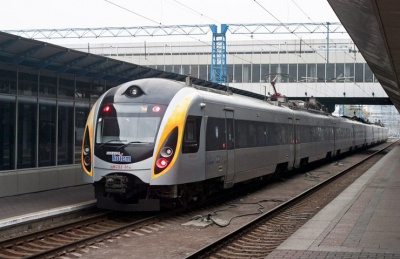 Поїзд із Чернівців до Сучави почне курсувати з початку наступного року
