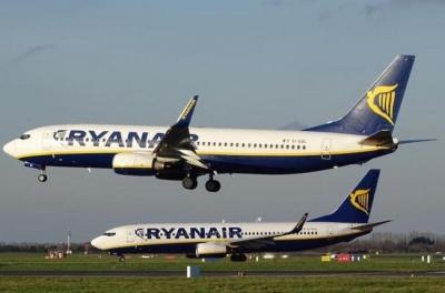 Літак Ryanair здійснив екстрену посадку через падіння тиску в салоні: 30 постраждалих