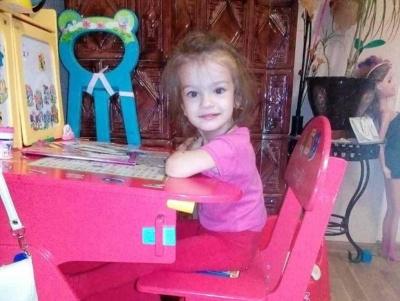 Допоможіть 4-річній Катрусі з Буковини почути світ
