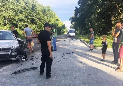 На Буковині водій мотоцикла, який врізався у легковик, помер у лікарні