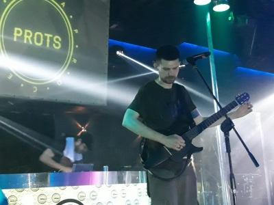 «Війна скоро закінчиться»: російський репер Noize MC відіграв гучний концерт у Чернівцях