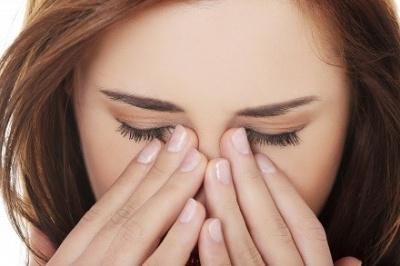 Чому зранку болять очі: основні причини