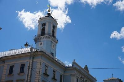 Існує загроза обвалу: чому на ратушу Чернівців не пускають туристів