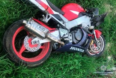 У Чернівецькій області мотоцикл зіткнувся з легковиком: один з водіїв загинув