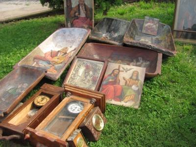 Петрівський ярмарок:  продають старовинні очіпки і ночви з козаком Мамаєм - фото