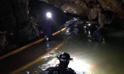 У Таїланді дітей почали евакуйовувати із підтопленої печери
