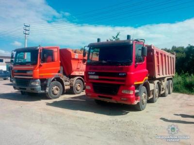 Вантажівки незаконно вивозили глину з Ломачинецького кар'єру, - поліція
