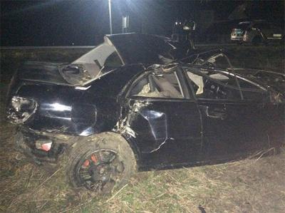 На Буковині Subaru злетіла з траси та врізалась у дерево: водію призначили покарання