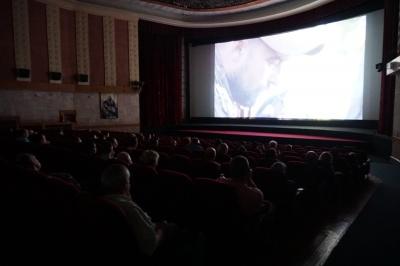 «Невидимий батальйон»: у кінотеатрі «Чернівці» продемонстрували вражаючу стрічку про жінок на фронті