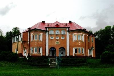 Невідома Буковина: родовий маєток австрійців, в якому зараз сільрада