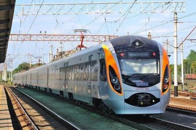 В Укрзалізниці заговорили про щорічне підвищення цін на проїзд