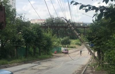 У поліції розповіли, хто врізався в електростовп, заблокувавши рух на Сторожинецькій