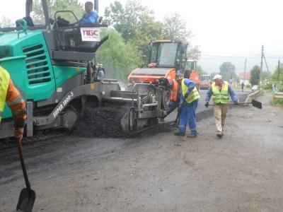 В Укравтодорі показали, як у Банилові ремонтують автотрасу