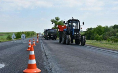 У Чернівецькій ОДА розповіли скільки коштуватиме ремонт доріг в області