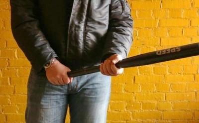 Приїхав в гості  і побив друга битою: у Коломиї поліція затримала буковинця