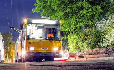 У Чернівцях з 1 серпня почне їздити нічний тролейбус: як і коли він курсуватиме