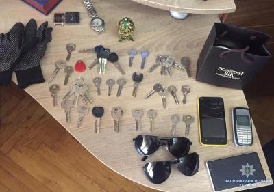У Чернівцях затримали серійного крадія, який 6 років «чистив» квартири