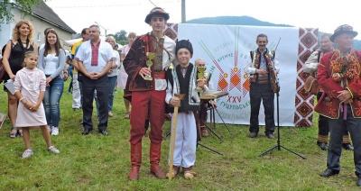 Танцював понад годину: буковинець став рекордсменом України