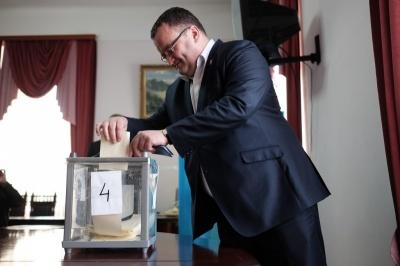У Чернівцях міськрада сьогодні спробує відправити у відставку мера Каспрука