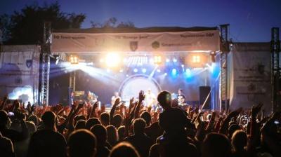 Вогняне шоу, атракціони та виступи колективів: чим дивуватиме цьогорічний Дністер-ФЕСТ