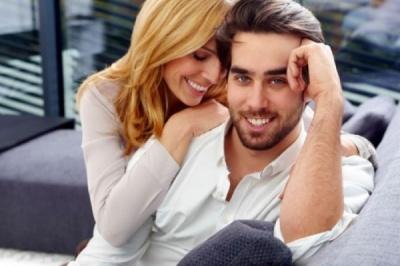 Чому чоловіки перебільшують, коли їх питають про кількість партнерок