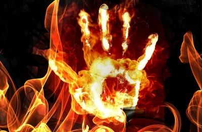 На Буковині чоловік намагався накласти на себе руки, вчинивши самоспалення