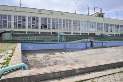Біля стадіону «Буковина» хочуть відновити басейн: у мерії оголосили архітектурний конкурс