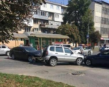 У ДТП на Комарова в Чернівцях постраждали двоє дітей - медик