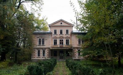 Невідома Буковина: дивовижний графський палац з ХІХ століття