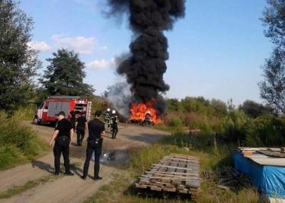 Масштабна пожежа в Чернівцях: горить стихійне сміттєзвалище