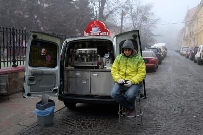 У Чернівцях на проспекті та Героїв Майдану з'являться кавомобілі