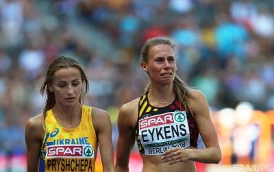 Українська легкоатлетка виграла забіг і допомогла фінішувати суперниці, яка впала - відео