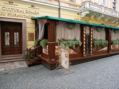 У Чернівцях міськрада дала дозвіл на розміщення нових літніх майданчиків
