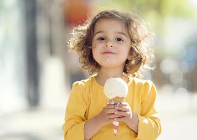 Болить горло? Їжте морозиво