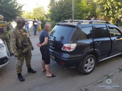 У Чернівцях поліція затримала групу квартирних злодіїв - фото