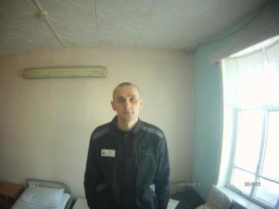 «Схожий на голодного в'язня фашистського табору», - адвокат про стан Сенцова - фото