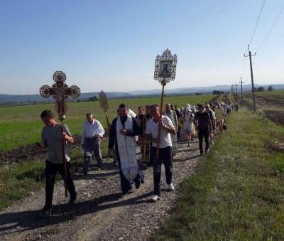 З Чернівців до Шипинців: на Буковині відбувся Хресний хід