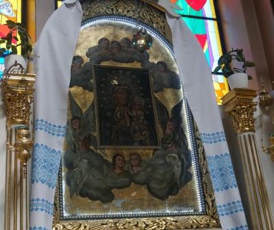 Зцілює від безпліддя та алкозалежності: чернівецька чудотворна ікона отримала особливий статус від Папи Римського