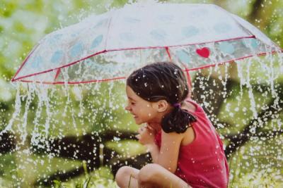 Спека понад +30 і невеликі дощі: синоптик розповіла про погоду на Заході на вихідних