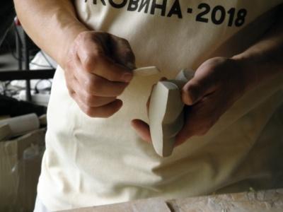 На Буковині триває міжнародний практикум з художньої кераміки