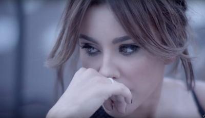 Співачка з Буковини вперше дала концерт після зради чоловіка і заплакала прямо на сцені