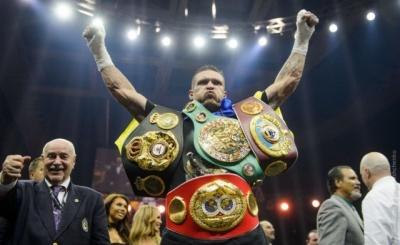 Усик знову найкращий: українець очолює усі рейтинги боксерських організацій