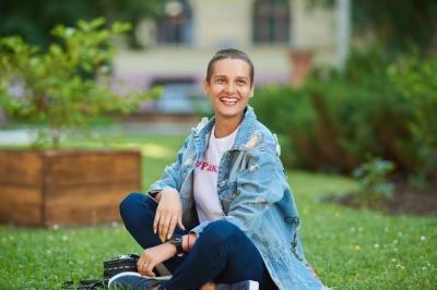 27-річна чернівчанка Ольга Гердега потребує допомоги у боротьбі з раком