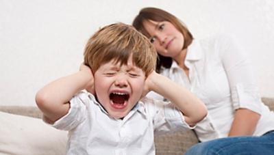 Чому дитина вередує: поради батькам
