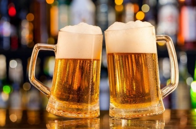 Продовжує життя і зміцнює кістки: несподівані факти про пиво
