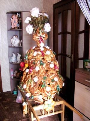 Унікальна традиція: кухарка з Буковини розповіла, як створювати поминальне деревце