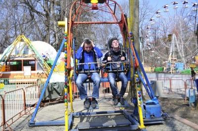 У Чернівцях чоловік обікрав атракціони парку «Жовтневий»: суд призначив йому суворе покарання