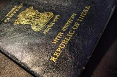На Буковині громадянина Індії видворять з України через міграційні порушення