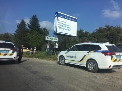 На Буковині ВАЗ на перехресті врізався у Volkswagen - фото